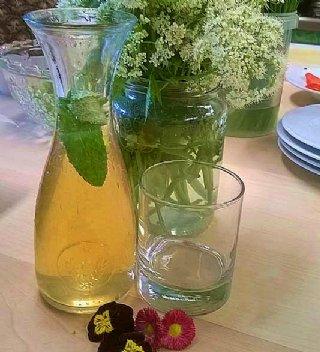Zitronen-Verbene-Kräutersirup