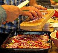 Gemeinsames Kochen als teamfördernde Maßnahme